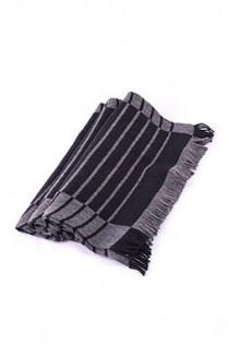 Zweifarbiger Schal von Kai Balke.