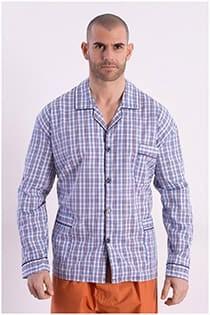 Gestreifter Pyjama aus Baumwolle mit Knöpfen.