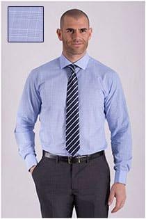 Extra langes, kariertes Dresshemd von Plus Man.