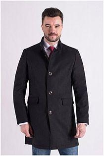 Mantel von Plus Man.