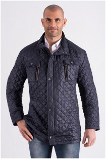 Jacke mit vielen Taschen von Bugatti.