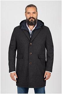 Langer Mantel von Plusman.